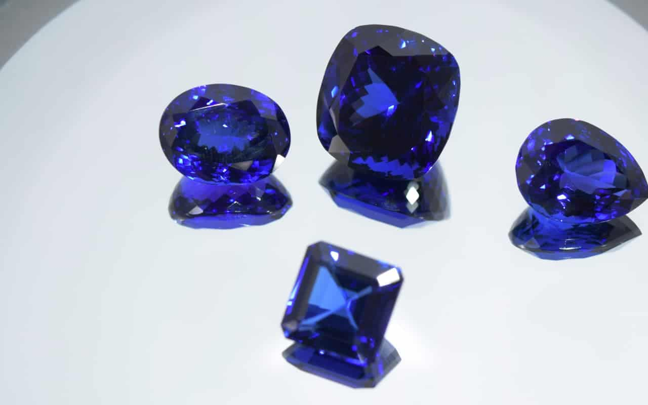 Beautiful Tanzanite stones of different shapes