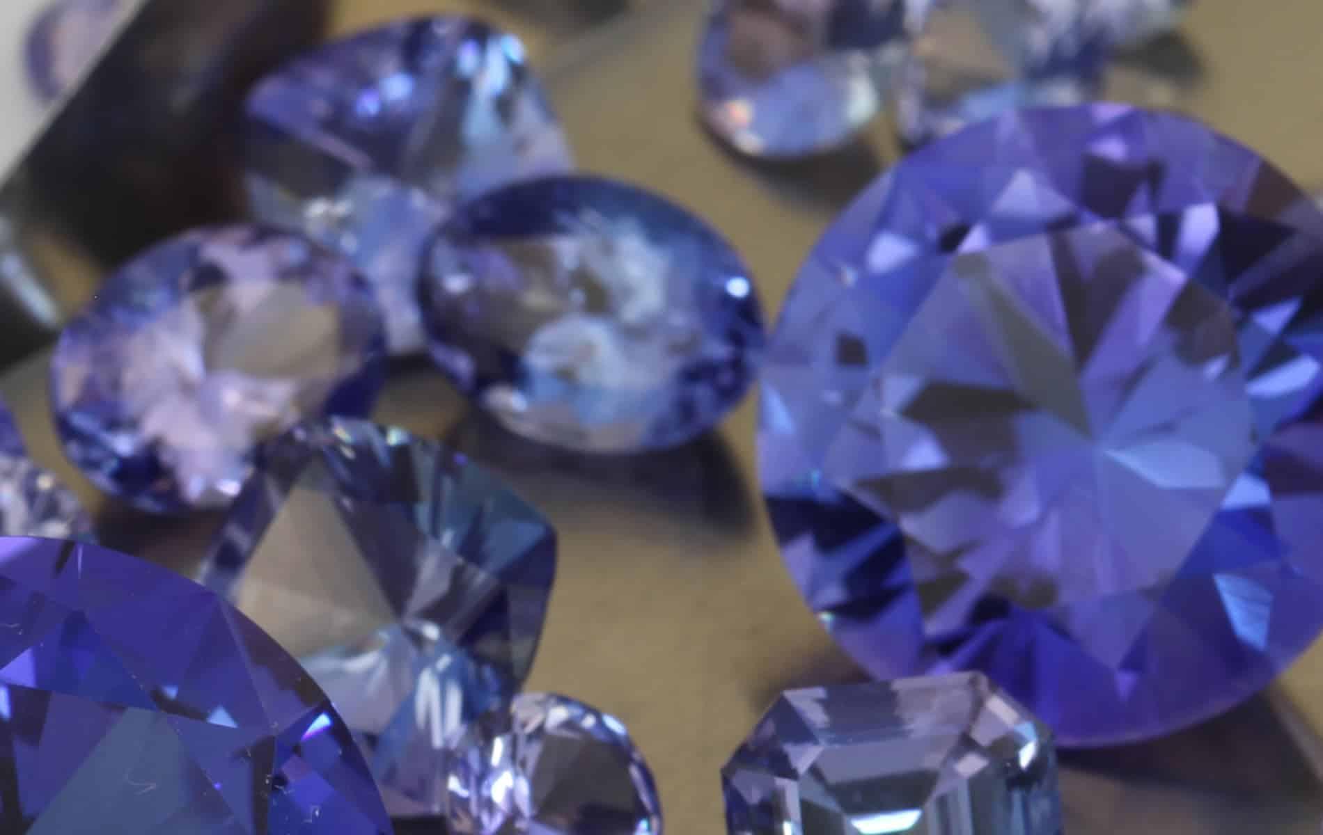 Many beautiful Tanzanite stones