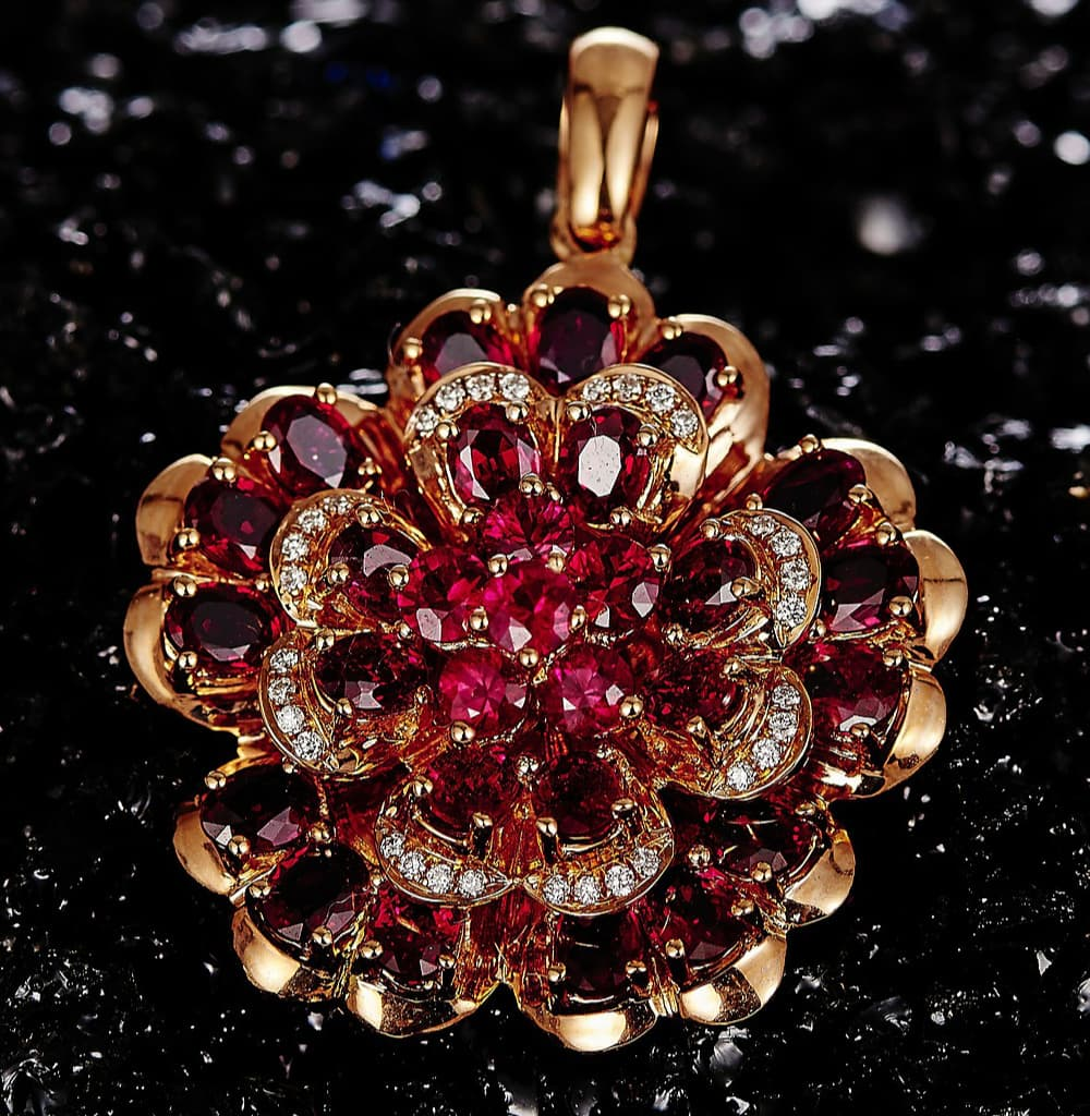 A List of the Most Rare Gemstones in The World (UPDATED 2020) 14