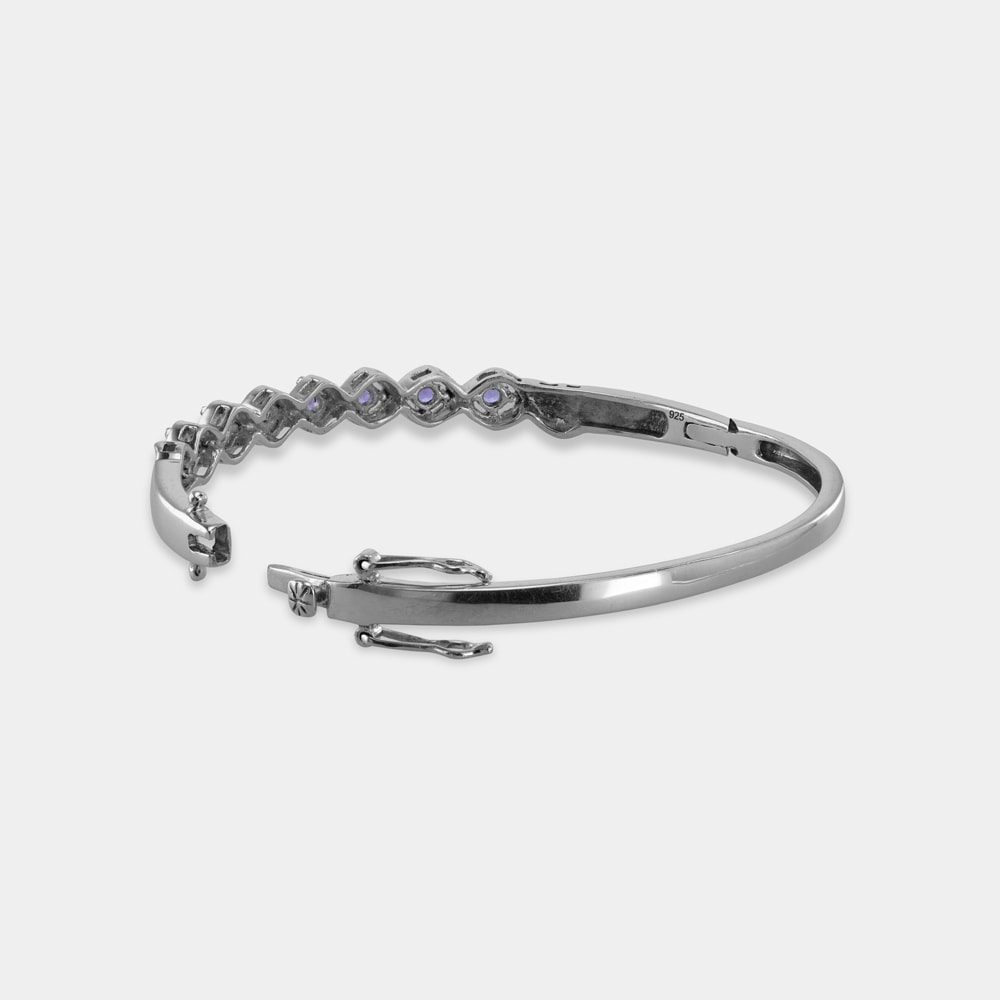 2.10 Carats Round Shaped bVL bangle with Silver Metal