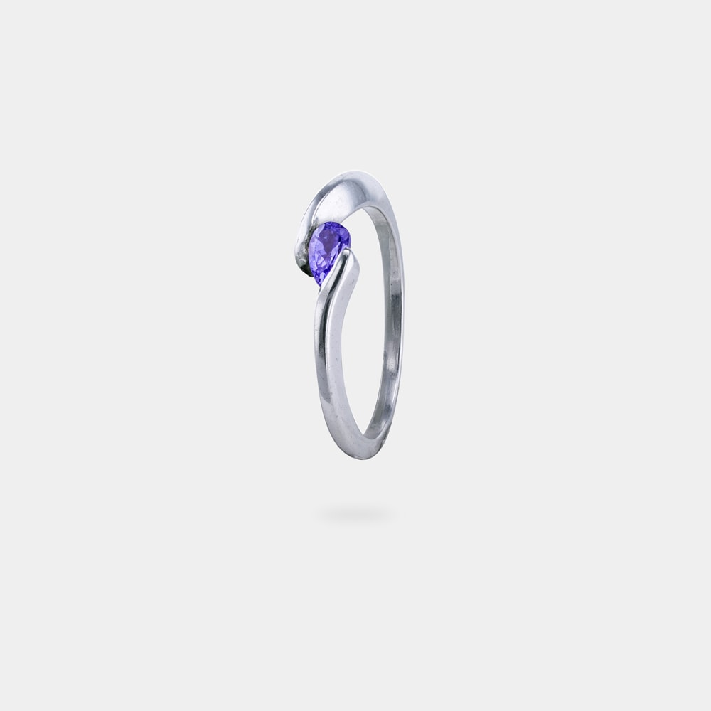 0.30 Carats Pear Shaped bVM SI Ring with Silver Metal