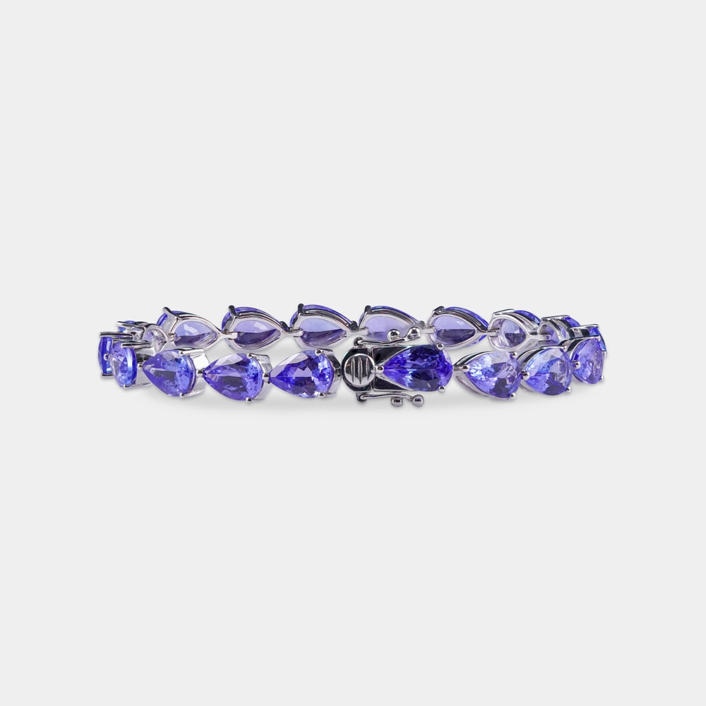 24.73 Carats Pear Shaped Bracelet with White Gold Metal