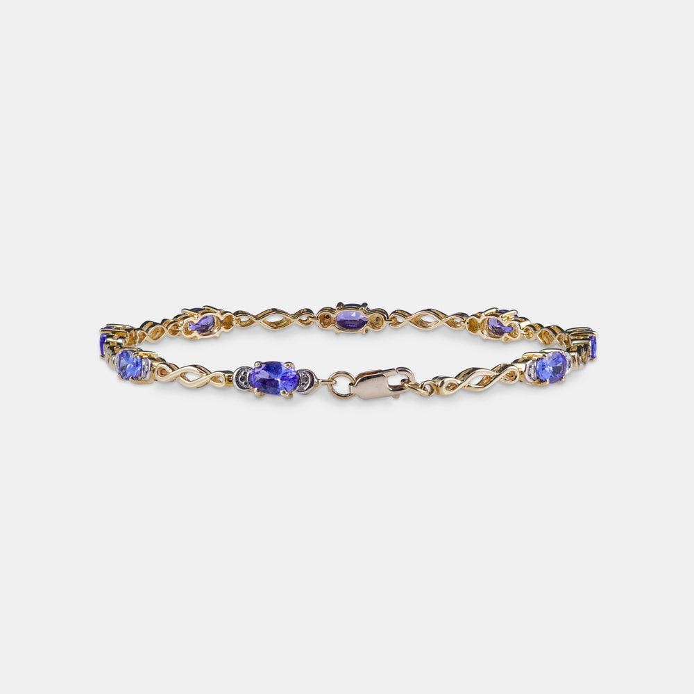 3.98 Carats Oval Shaped Bracelet With Yellow Gold Metal