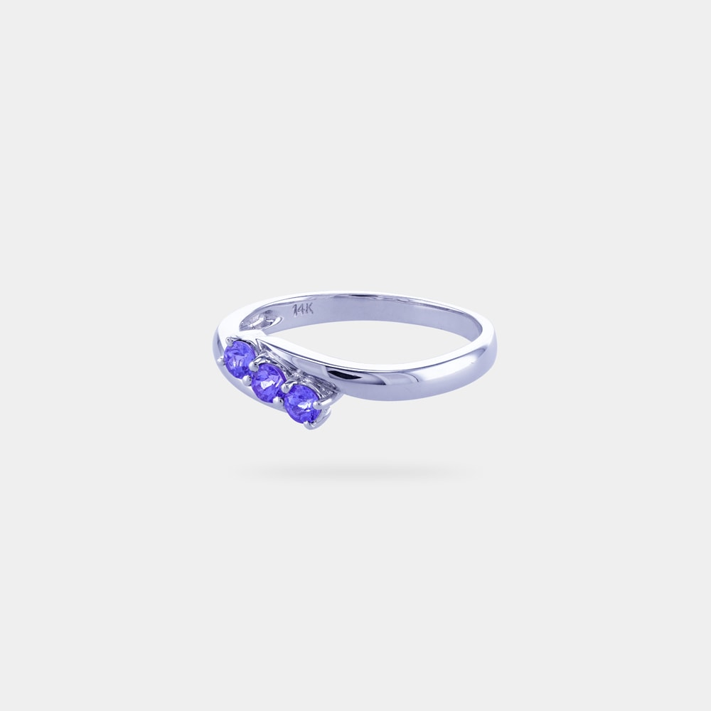 0.31 Carats Round Shaped Ring with White Gold Metal