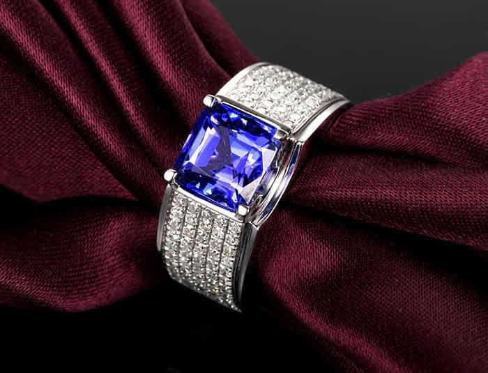 Beautiful Tanzanite bracelet