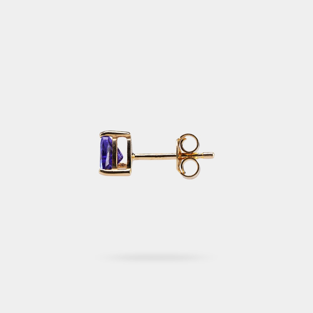 1.00 Carats vBI Trilliant Shaped Earring with Yellow Gold Metal