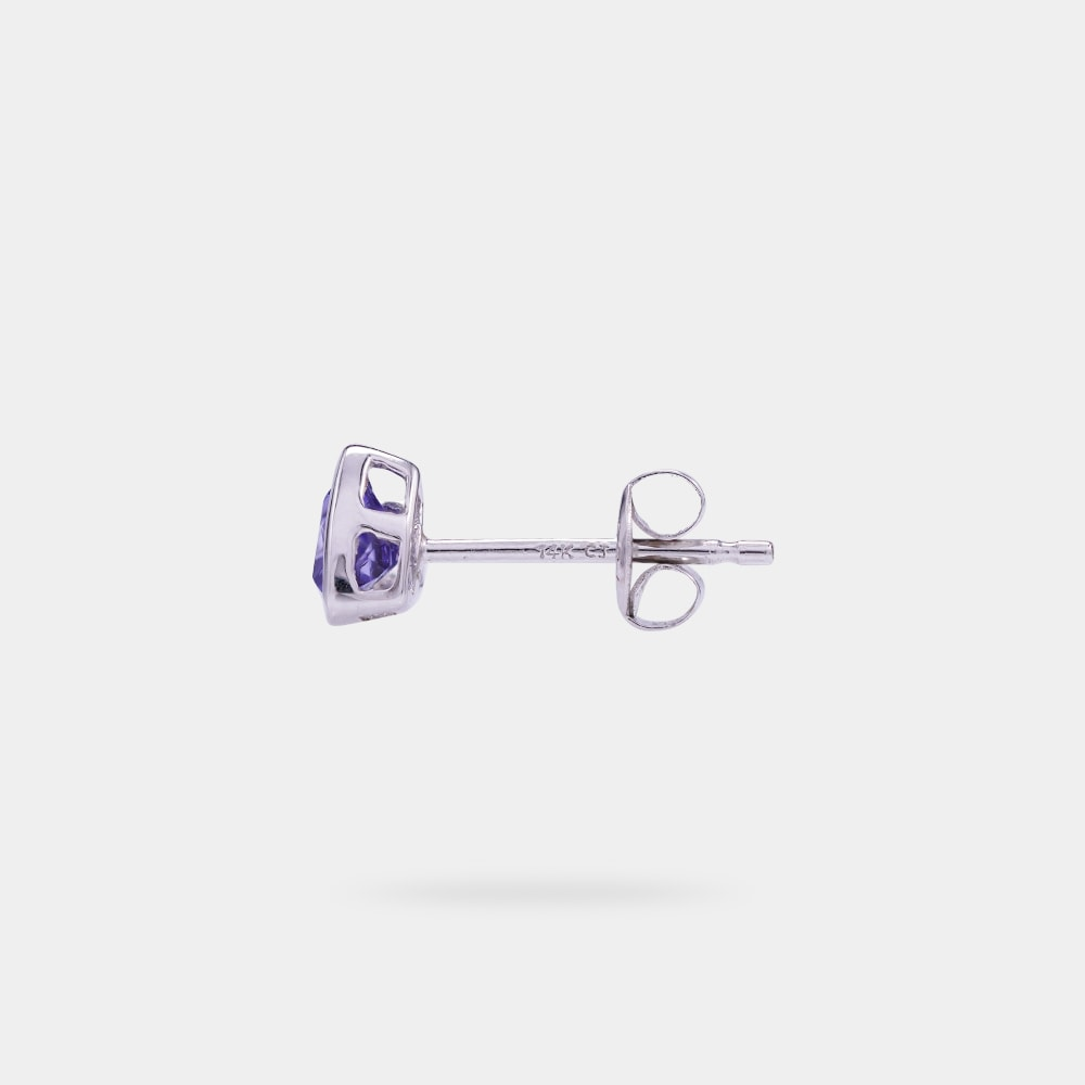 0.68 Carats Trilliant Shaped Earring with White Gold Metal